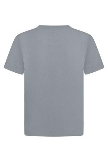 소년 회색 티셔츠