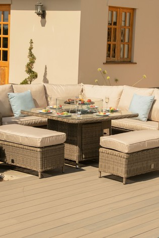 Winchester Royal Corner Set With Fire Pit By Maze Rattan