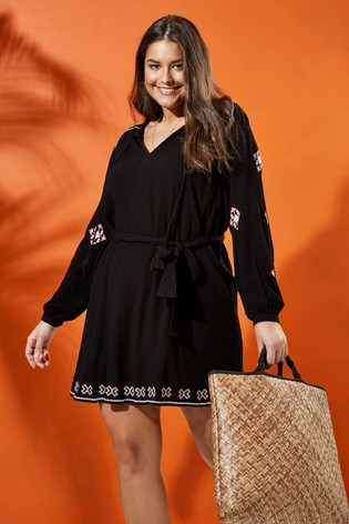 Evans Curve Black Embroidered Tunic