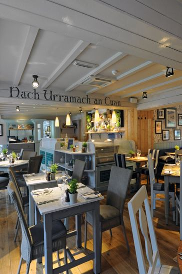 Gastro Pub Restaurant Dining for Two Gift Experience by Activity Superstore