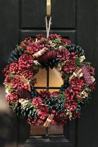 Dibor Cinnamon Pine Wreath