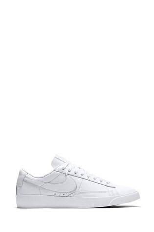 Nike Blazer Low Trainers