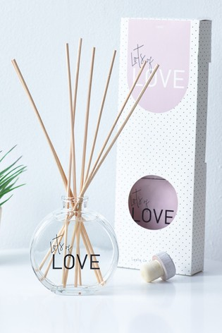 Strawberries And Cream Scented Lots Of Love Diffuser Set