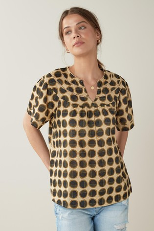 Brown Circle Lace Insert Textured T-Shirt