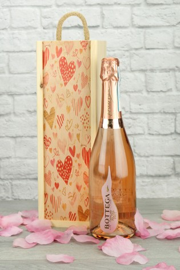 Sparkling Rosé Wine In A Love Heart Gift Set by Le Bon Vin