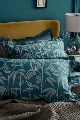 Set of 2 Dot & Ivy Lantern Jacquard Pillowcases