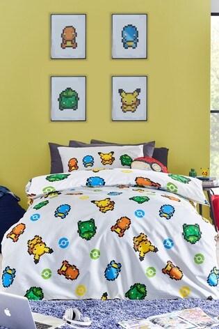Pokémon™ Pixel Reversible Duvet Cover and Pillowcase Set