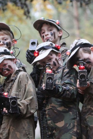 Family Laser Combat Adventure For Four Gift by Virgin Experience Days