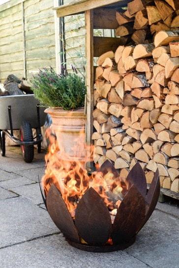 Outdoor Kew Fire Pit by Ivyline