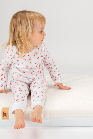 Julliet CotBed with CuddleCo Lullaby Foam Mattress White