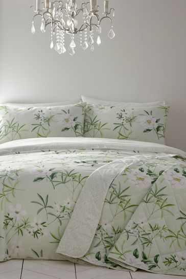 Florence Bedspread by D&D