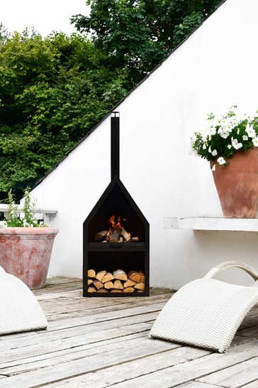 Outdoor Henley Fireplace by Ivyline