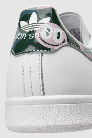 stan smith with eyes