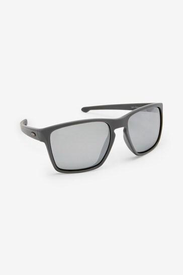 Grey Signature Sports Style Polarised Sunglasses