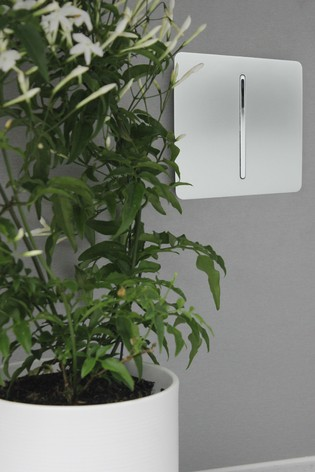 1 Gang 2 Way 10 Amp Light Switch by Trendiswitch