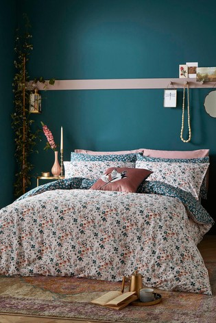 FatFace Floating Blooms Duvet Cover and Pillowcase Set