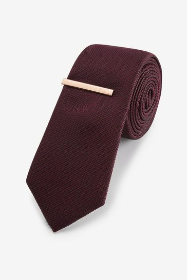 Burgundy/Red Textured Tie With Tie Clip