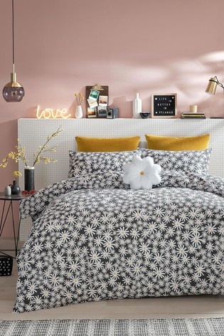 Skinnydip Daisy Duvet Cover and Pillowcase Set