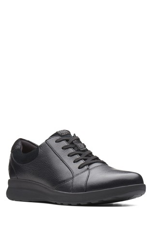 Clarks Wide Fit Black Un Adorn Lace-Up Shoe
