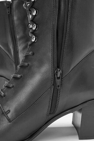 Mix/E8 Lace-Up Boots