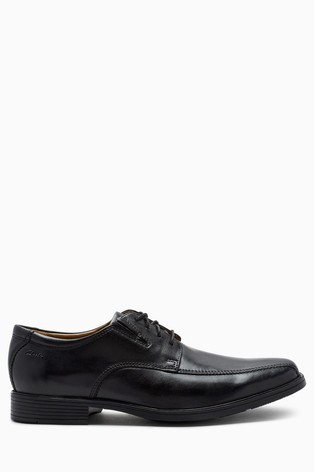 Clarks Wide Fit Black Tilden Walk Shoe