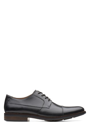 Clarks Wide Fit Black Becken Cap Shoe