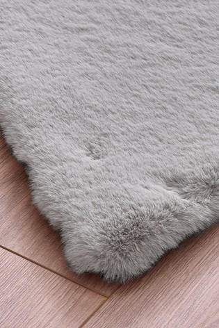 Tilda Faux Fur Star Rug