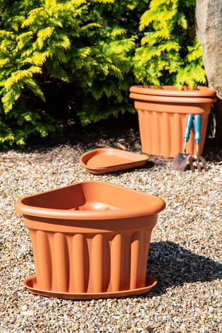Set of 3 Vista 49cm Corner Tray And Garden Planters by Wham