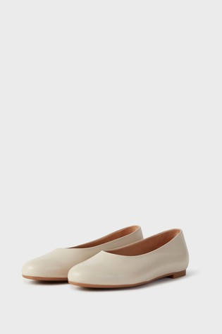 Hobbs White Suki Flat Shoes
