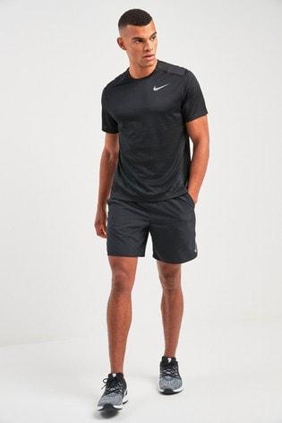 "Nike Run 7"" Challenger Shorts"