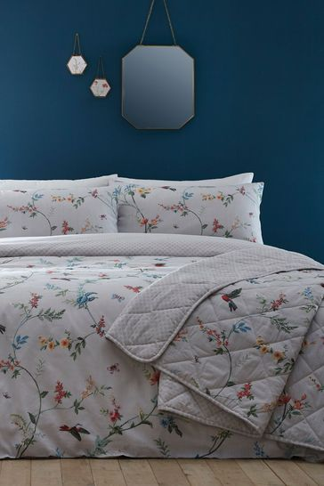 Mansfield Bedspread by D&D