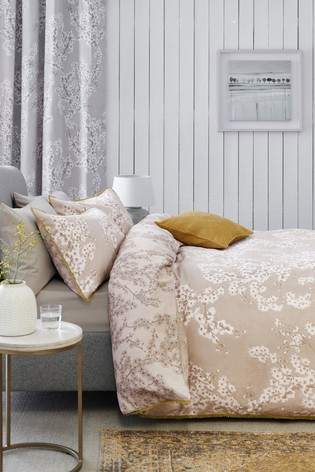 Cotton Sateen Reversible Natural Blossom Duvet Cover And Pillowcase Set