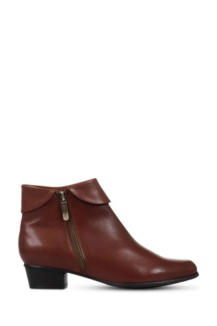 Jones Bootmaker Regarde Le Ciel Stefany-03 Tan Heeled Leather Ankle Boots