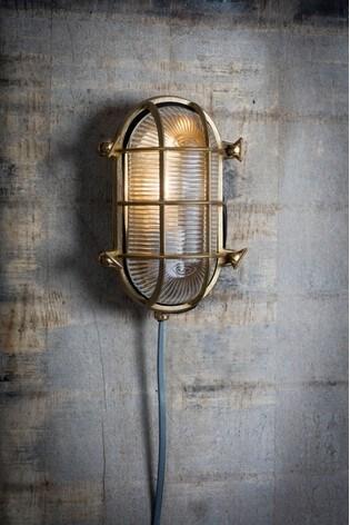 Garden Trading Devonport Oval Bulk Head Light
