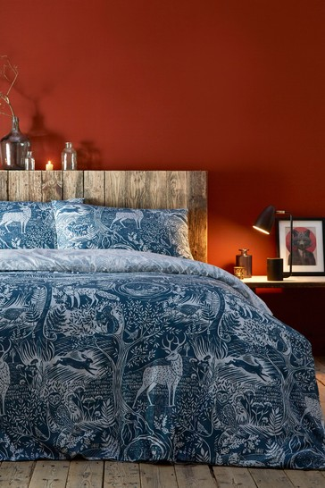 Riva Home Winter Wonderland Stag Duvet Cover and Pillowcase Set