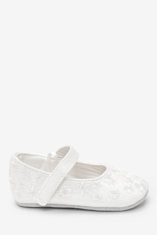 Ivory Embroidered Pram Shoes (0-18mths)