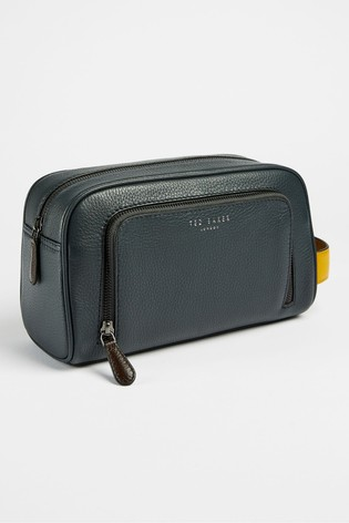 Ted Baker Clings Leather Wash Bag
