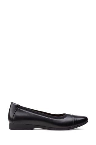 Clarks Black Leather Un Darcey Cap2 Shoes