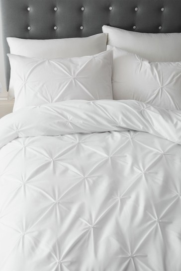 Catherine Lansfield White Pinch Pleat So Soft Easy Care Duvet Cover and Pillowcase Set