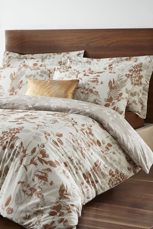 Wentwood Duvet Cover and Pillowcase Set by D&D
