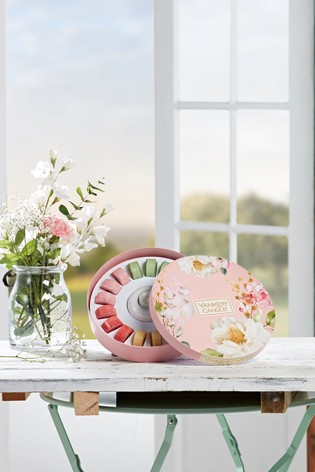 Yankee Candle Garden Hideaway Round Tealight With Holder Gift Set