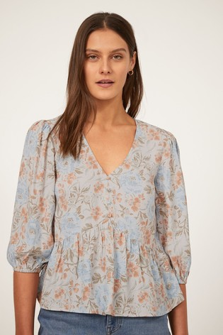 Warehouse Ornate Vines Tiered Top