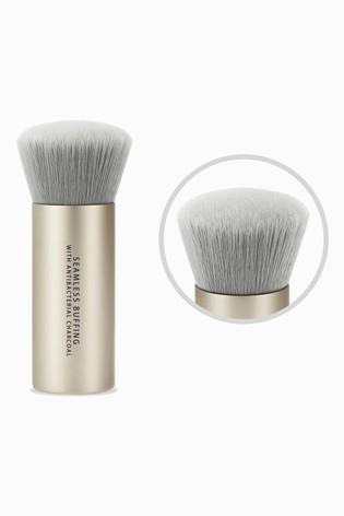 bareMinerals Seamless Buffing Brush with Antibacterial Charcoal
