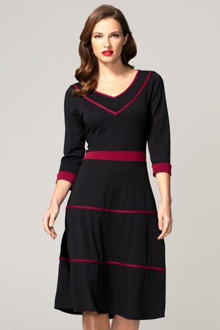 HotSquash Black V-Neck Dress With Contrast Piping
