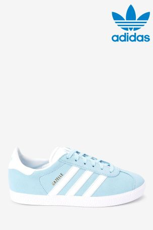 de primera categoría Térmico Correspondencia  Buy adidas Originals Sky Blue Gazelle Youth Trainers from Next USA