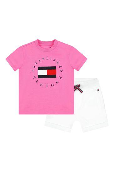 베이비 핑크 코튼 티셔츠와 쇼츠