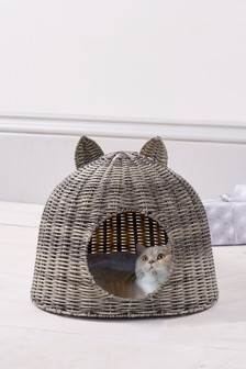 Plastic Wicker Cat Bed