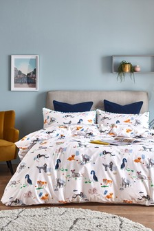 Charlie & Friends Duvet Cover and Pillowcase Set