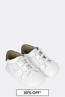 حذاء رياضي جلد بيج للبيبي