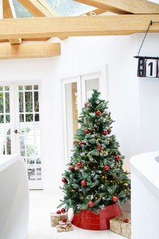 Metal Christmas Tree Skirt by Ivyline